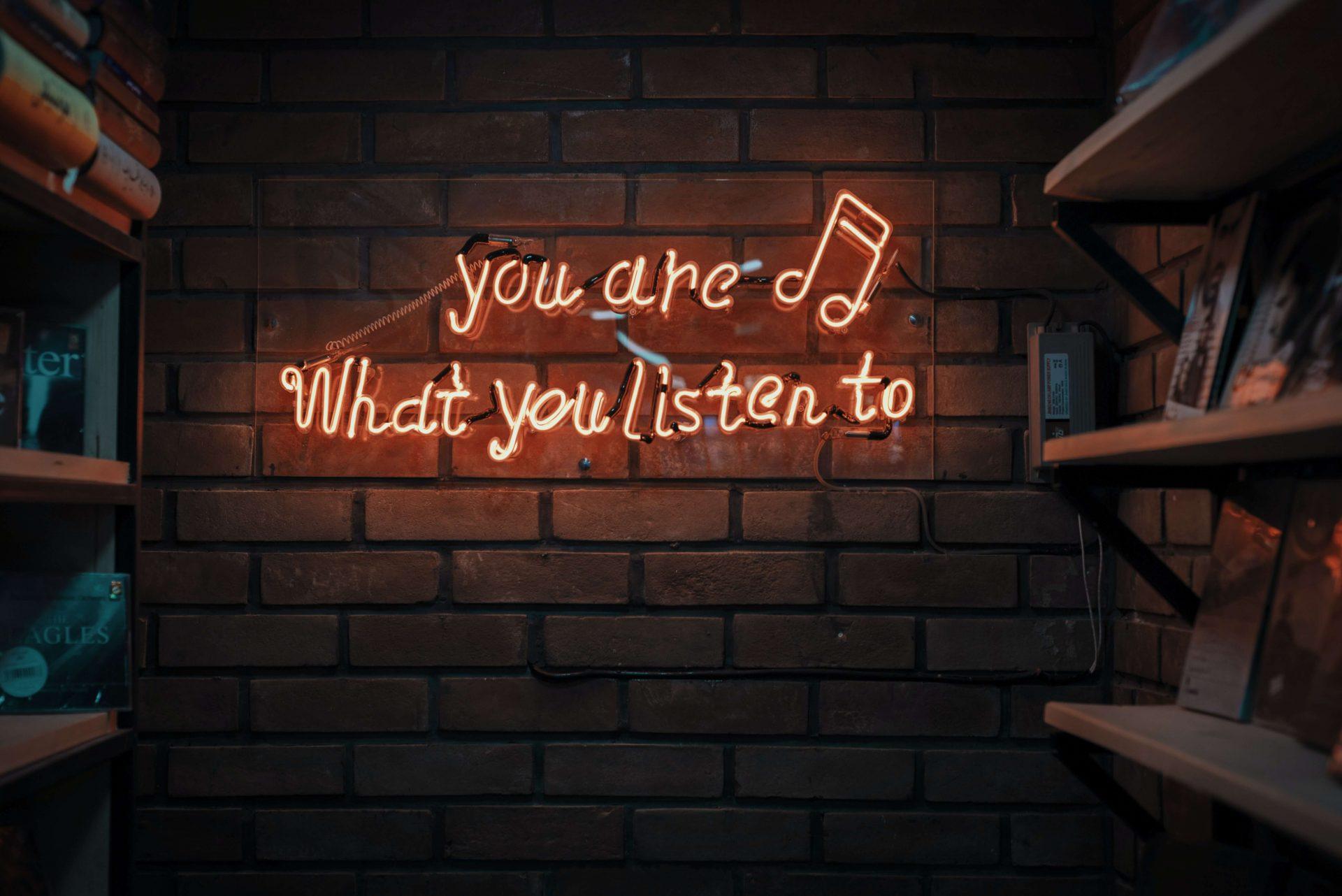 Intro-music
